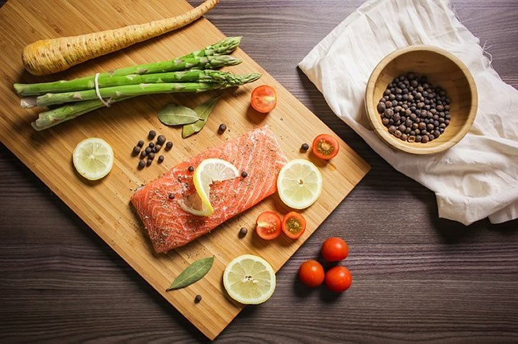 Image of a salmon dinner.