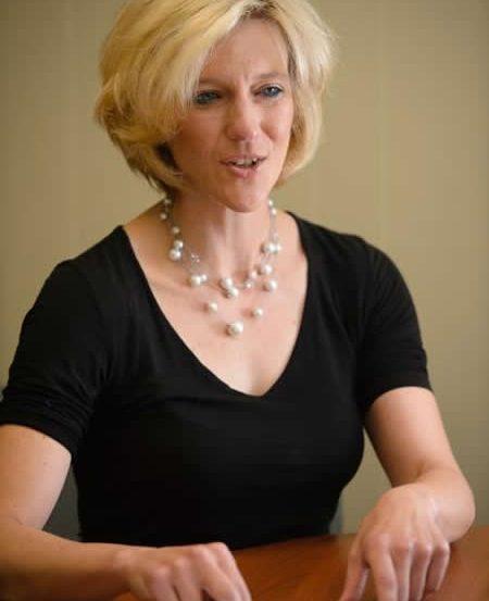 Photo of Amy Bonomi.