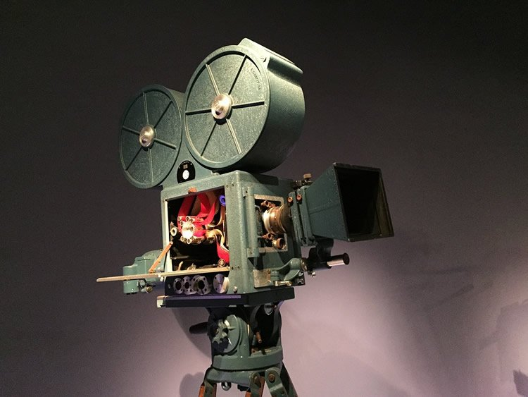 Image of an old fashioned movie camera.