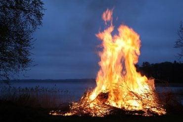 This shows a bon fire