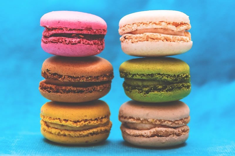 This shows colorful macaroon cakes
