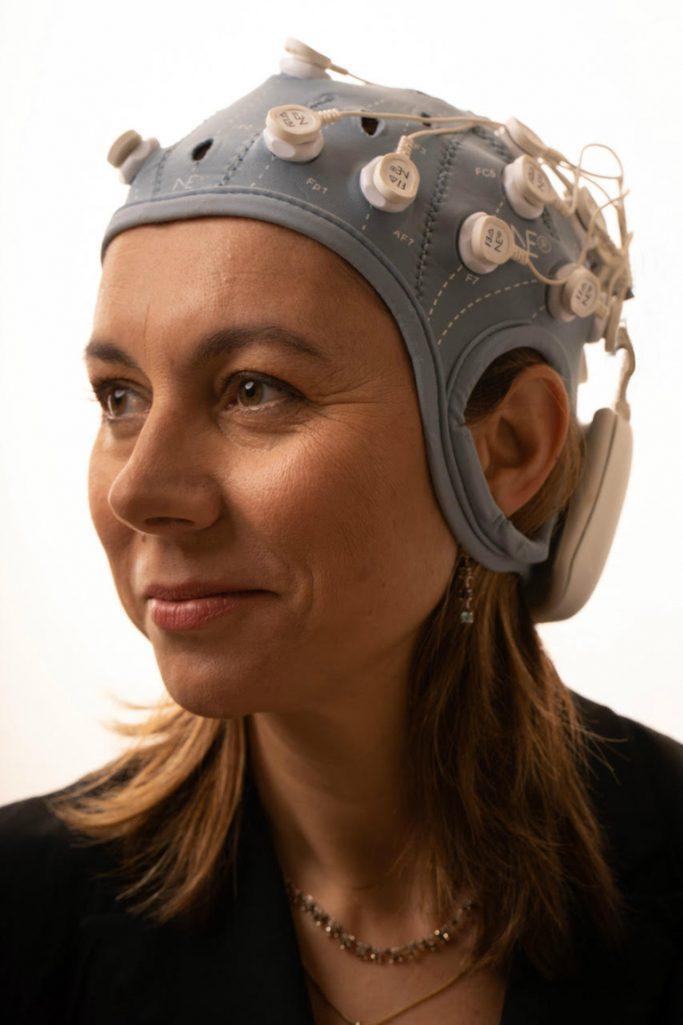 Ana modeling the EEG cap